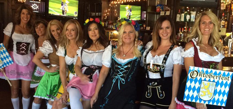 Elktoberfest lady volunteers