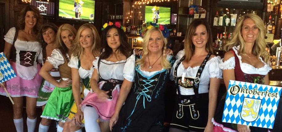 Elktoberfest lady volunteers